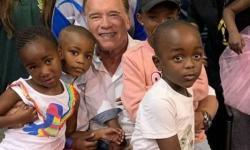 Schwarzenegger é agredido em evento na África do Sul; veja
