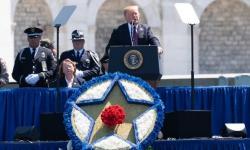 Trump diz que Irã receberá reação de 'grande força' se atentar contra os EUA