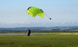 Humberto Siqueira Nogueira mostra os melhores cursos de paraquedismo no mundo