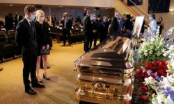 George Floyd é homenageado em funeral após onda de protestos