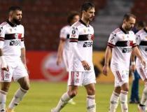 Zico critica time do Flamengo: 'parecia que estava tendo um treino coletivo na Gávea'