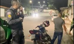 Sargento linha de frente da PM prende elementos em abordagem rotineira e fala sobre a importância do procedimento policial; vídeo
