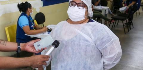 """Após perder familiares, enfermeira se dedica à imunização durante campanha """"Vacina Amazonas"""""""