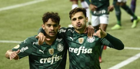 Líder do Brasileirão, Palmeiras amplia maior sequência de vitórias da era Abel