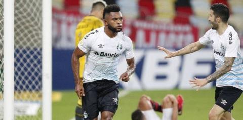 Grêmio vence Flamengo no Maracanã e ganha fôlego na luta contra o Z-4; veja vídeo