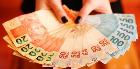 Veja como sacar o dinheiro do auxílio emergencial e do FGTS antes da data