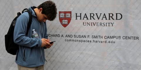 Estudantes estrangeiros são barrados nos EUA devido a regras de vistos
