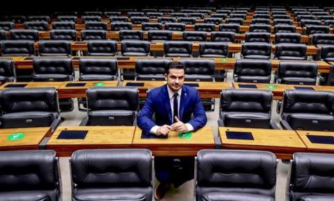 Capitão Alberto Neto integra comissões importantes na Câmara
