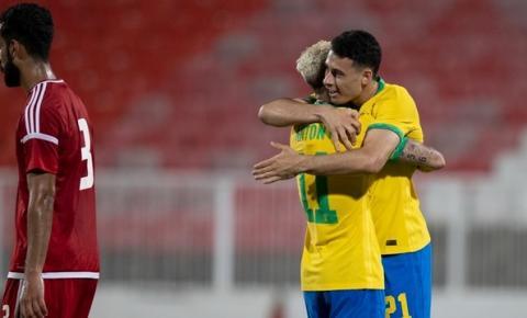 Brasil toma susto, mas vence os Emirados Árabes no último teste antes de Tóquio; vídeo
