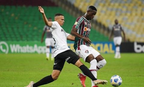 Grêmio supera Fluminense no Maracanã e vence a primeira no Brasileirão; vídeo