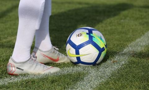 Clubes de futebol do Amazonas celebram incentivo de R$2,5 milhões entregue pelo Governo do Estado