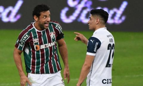Fluminense vence e confirma vaga nas quartas da Libertadores