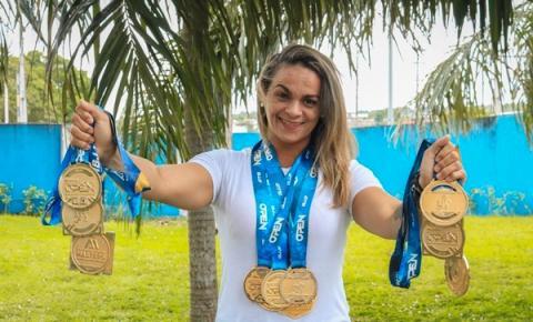 Lutadora que migrou de esporte para tratar filho irá em busca do campeonato brasileiro de jiu-jitsu