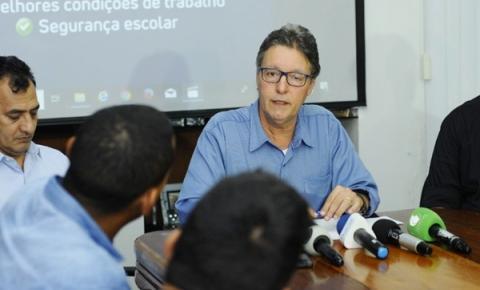 Em entrevista, Luiz Castro reafirma compromisso do Governo com pagamento da data-base dos servidores da Educação
