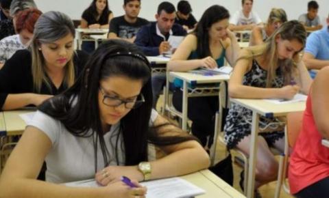 Isenção de taxa no Enem é garantida para alunos da rede pública