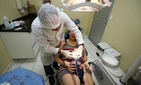 Atendimento gratuito especializado em saúde bucal é oferecido pela Semsa