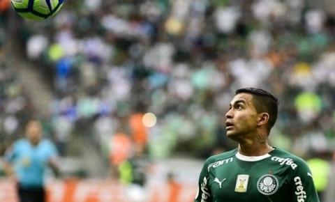 Vídeo: Dudu marca golaço, mas Palmeiras só empata e se distancia do Fla