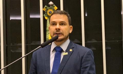 Parlamentar amazonense indica necessidade de consulado americano em Manaus
