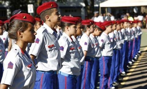 Alberto Neto apresenta Emendas à PL que pretende regulamentar modelo cívico-militar nas escolas públicas