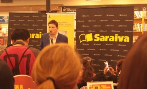 Roberto Cabrini abre 'caixa preta' e lança livro com sigilosas revelações