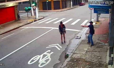 Vídeo: Moradora de rua é morta a tiros por homem em Niterói ao pedir R$ 1