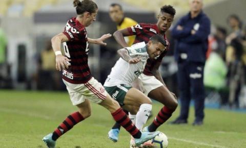Flamengo encara o Palmeiras em clássico com rivalidade no campo e nas finanças