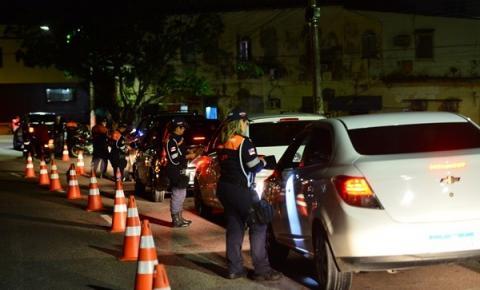 No final de semana pré-Carnaval, Detran-AM flagra 60 motoristas alcoolizados