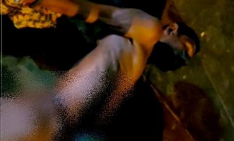 Homem desenterra cadáver da avó, coloca nos ombros e sai dançando pela ruas de Manaus; veja vídeo