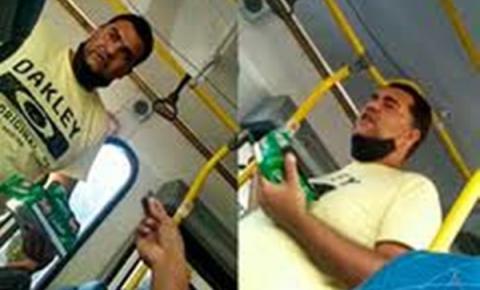 Vídeo: vendedor de bombons ofende e obriga passageiros de ônibus a comprar seus produtos