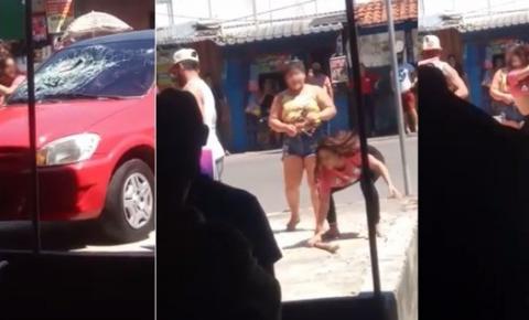 Desesperada mulher quebra carro ao descobrir traição