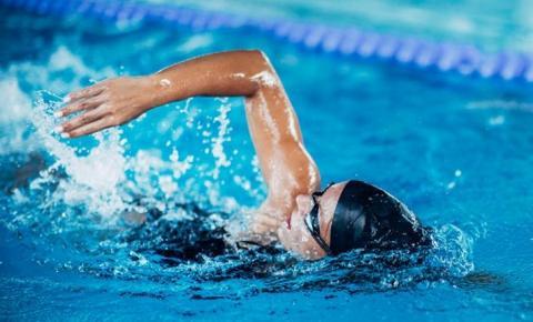 Natação é o esporte ideal para retomar as atividades físicas
