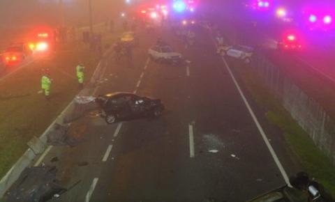 Acidente com mais de 20 veículos deixa 8 mortos no Paraná