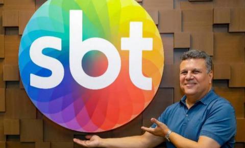 Narrador comemora acerto com o SBT para a Libertadores: 'Voltei pra casa'