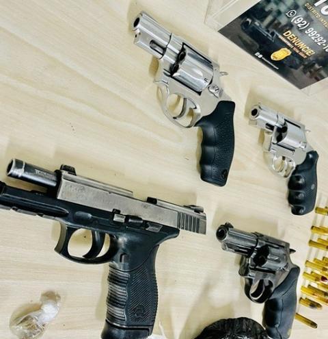 Policiais do 18° DIP prendem integrantes de organização criminosa com armas e drogas