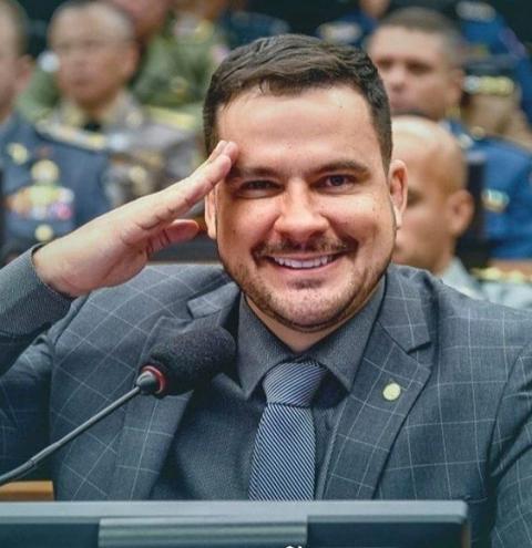 Alberto Neto é o parlamentar do Amazonas mais influente nas redes sociais