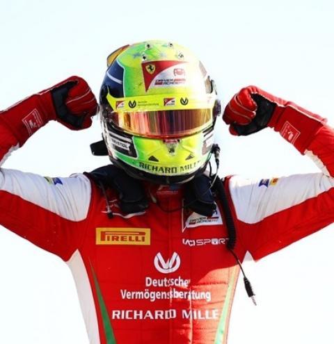 Mick Schumacher vence em Monza e entra na briga pelo título da Fórmula 2; brasileiros sofrem